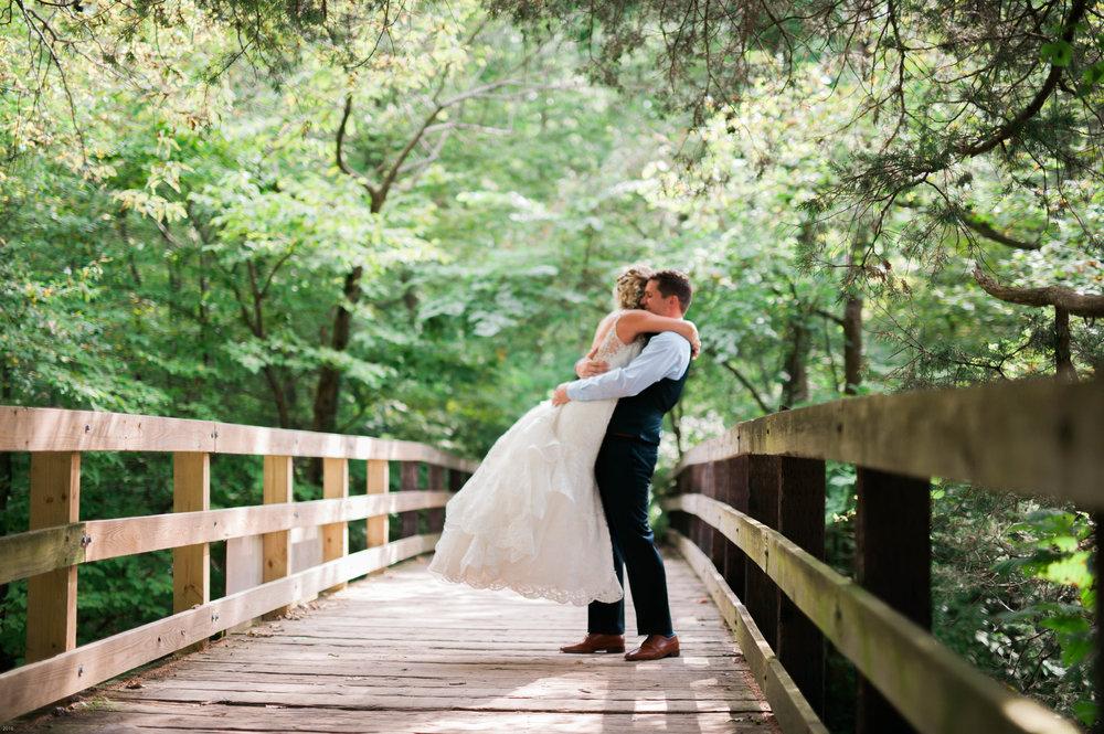 fall-starved-rock-wedding-photographer-507.jpg
