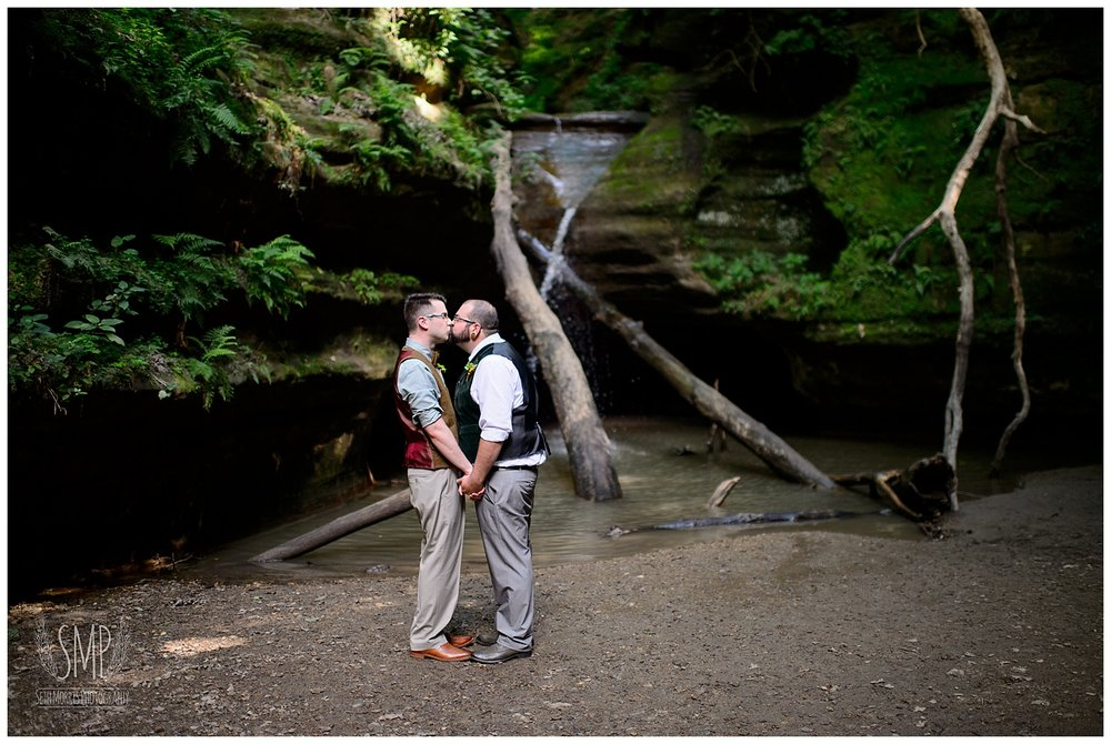 gay-wedding-starved-rock-summer-wedding-photographer-12.jpg