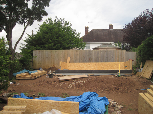 Pre-fabricated wall structure