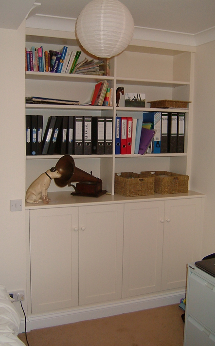 Fitted cupboard - Built in shelving + cupboards to merge into the room