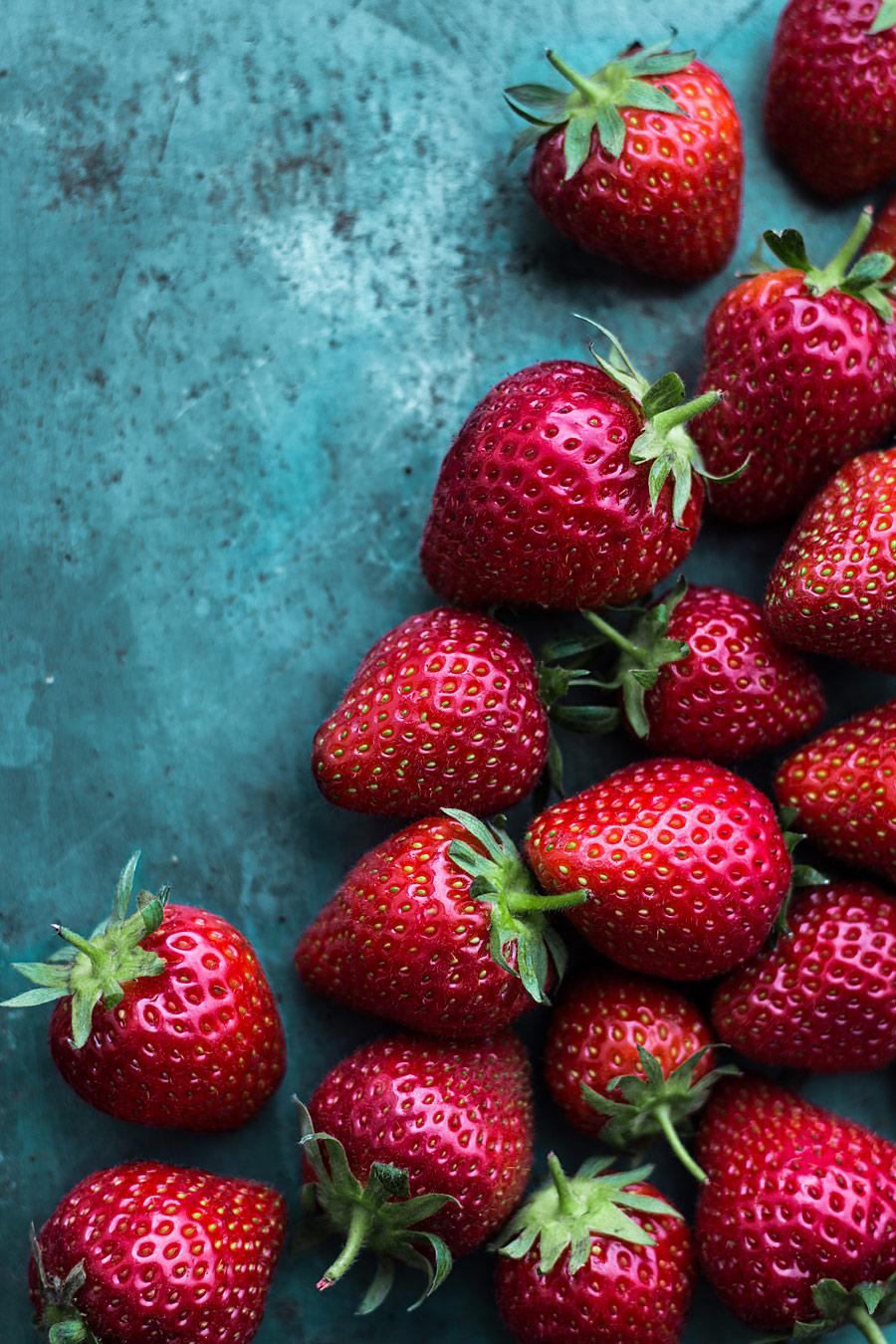 Strawberries by Laura Domingo