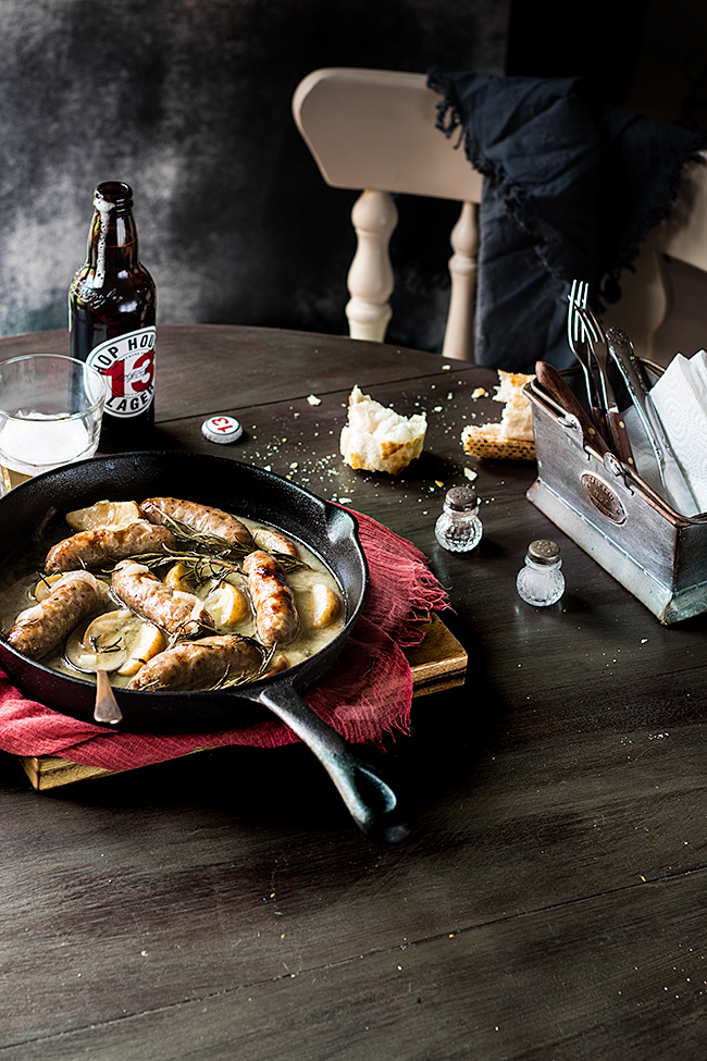 Sausages apple in cider sauce by Laura Domingo