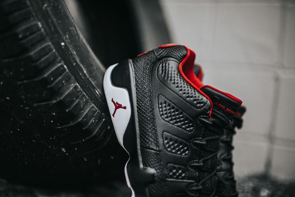 Nike_AJ9_RetroLow_blkGymRedWht_4_837039a5-2839-41e4-8643-88a31e9f4f0e_1024x1024.jpg