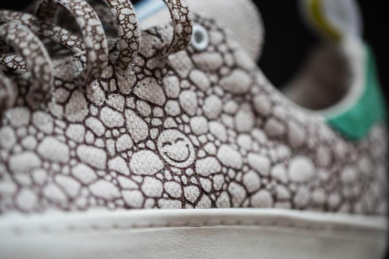 adidas-stan-smith-420-sneakers-03_o5j2po.jpg
