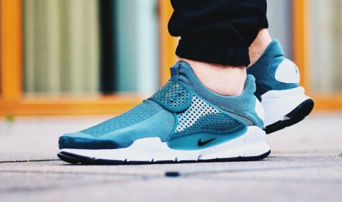 Nike-Sock-Dart-11-681x403.jpg