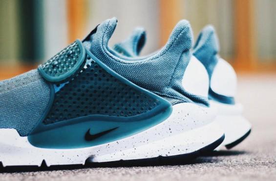 Nike-Sock-Dart-21-565x372.jpg