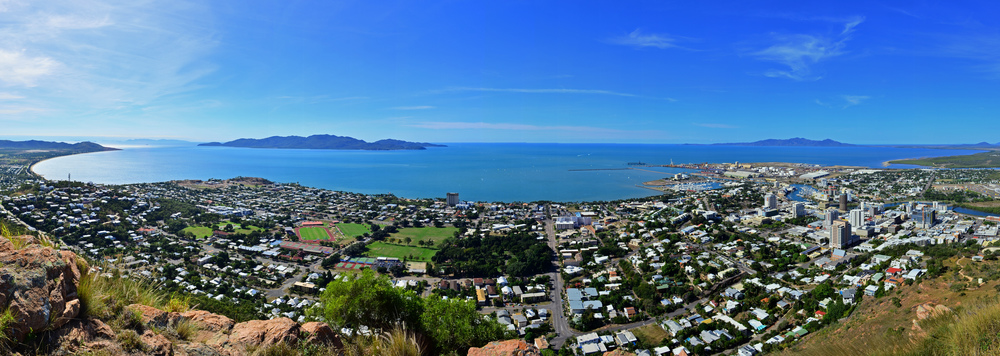 [25] Townsville from above, Queensland.