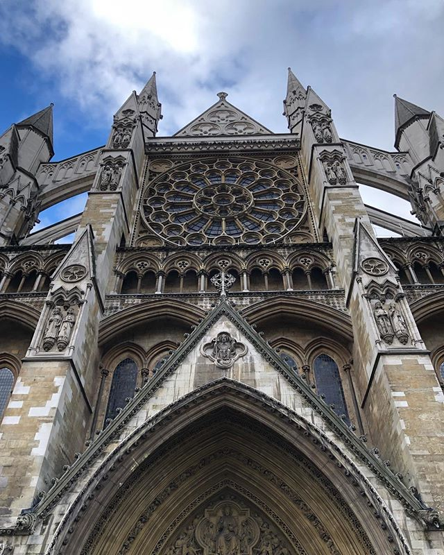 🇬🇧London🇬🇧 has so much old beautiful architecture. #london #architecture #gothic #church