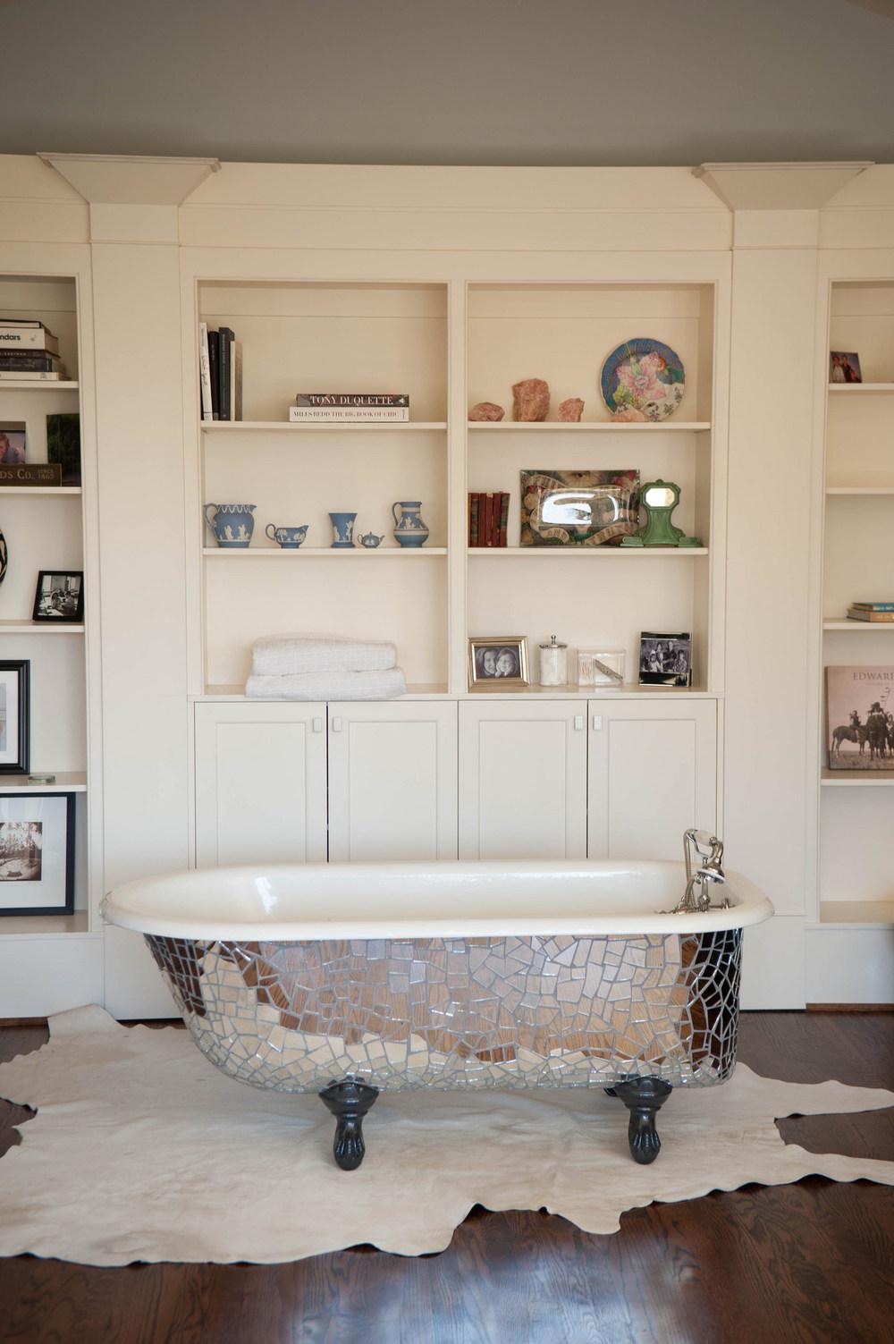 Mirrored mosaic clawfoot tub