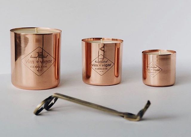 #candlecrushtuesday goes to the copper queens at Vim + Vigor Candle Co. 🤩 known for their signature copper vessels, they keep things simple and let their scents speak for themselves. Owner and operator Kristin Boyd works closely with her graphic designer Nina Saint to keep the creativity and energy flowing - even if they're working cross-country✈️👩🏼💻🕯 • Check them out!