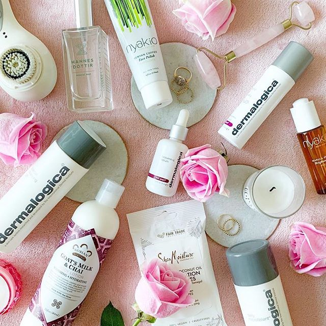 Being featured in your posts makes us giddy!  #repost @fatima.b.ibrahim ・・・ 11.30.18. My current skincare favorites 💕 . . . #skincare #cleanbeauty #naturalbeauty #hannesdottir