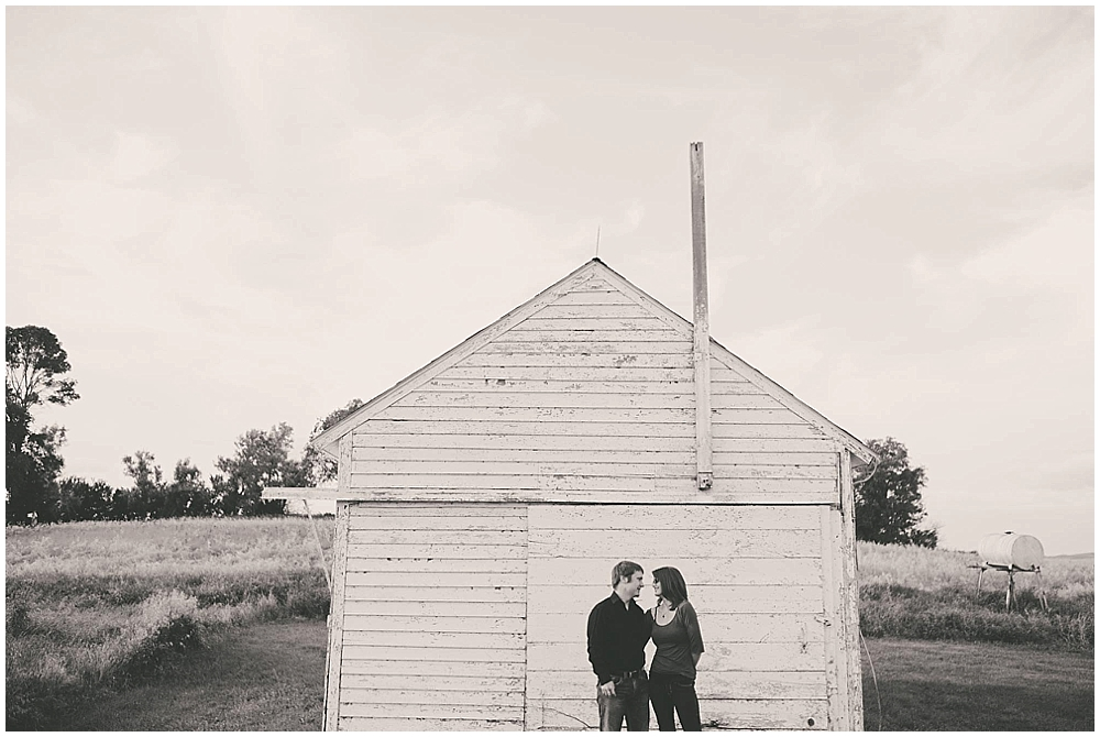 Jazsmin-Aaron-1020_fargo_wedding_photographer.jpg