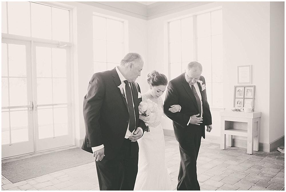 Liz-Eller-1751_fargo_wedding_photographer.jpg