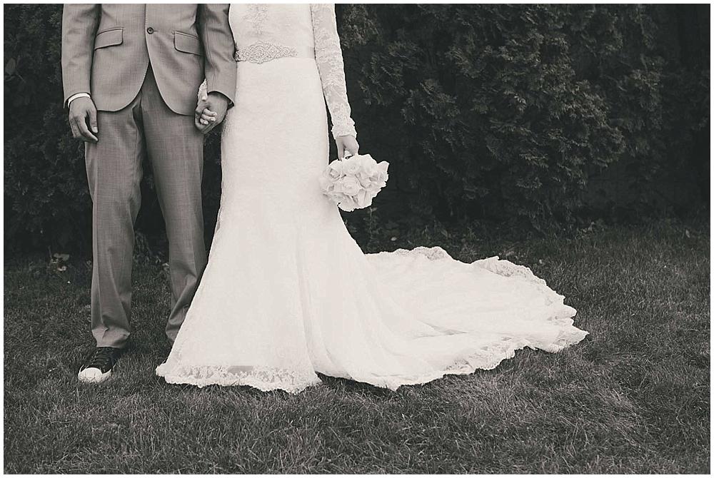 Liz-Eller-3016_fargo_wedding_photographer.jpg