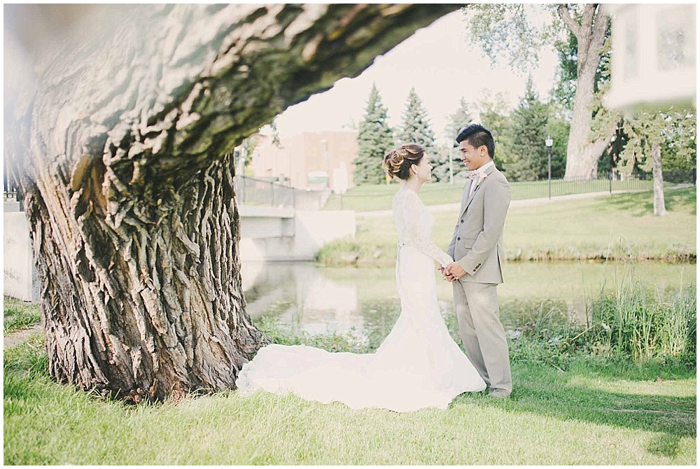 Liz-Eller-3089_fargo_wedding_photographer.jpg