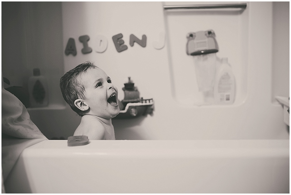 aiden-bath-1022_fargo_wedding_photographer.jpg
