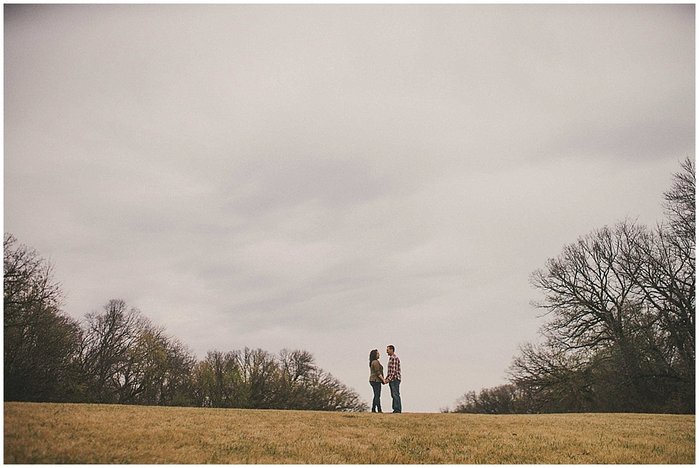 Gabby-Joey-1280_zach_davis_fargo_wedding_photographer.jpg