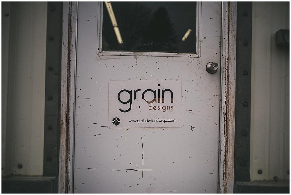 grain-designs-1304_zach_davis_fargo_wedding_photographer.jpg
