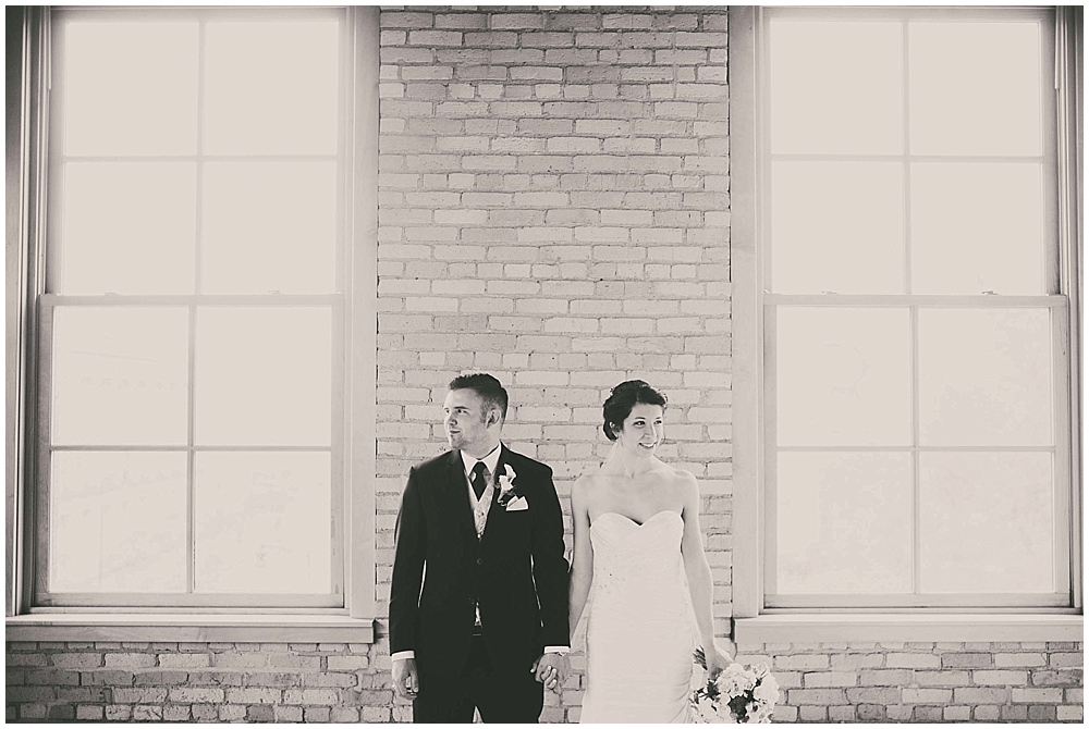 jennifer-travis-2072_zach_davis_fargo_wedding_photographer.jpg