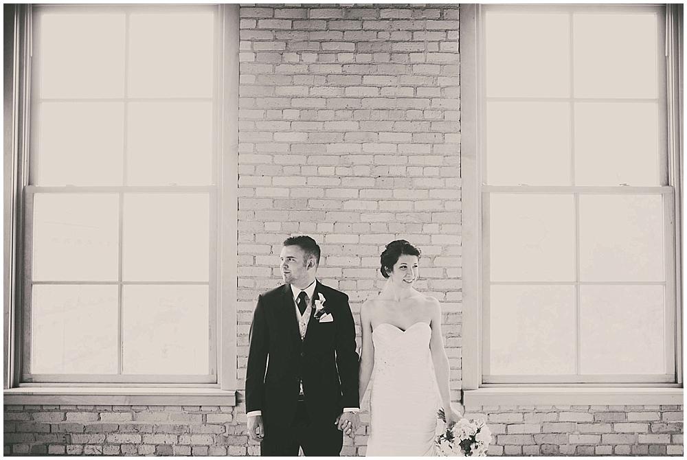 jennifer-travis-2072_zach_davis_fargo_wedding_photographer.jpg