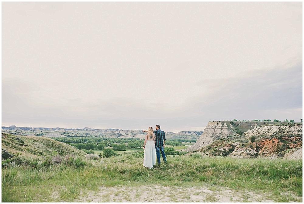 shawna-matt-1330_zach_davis_fargo_wedding_photographer.jpg