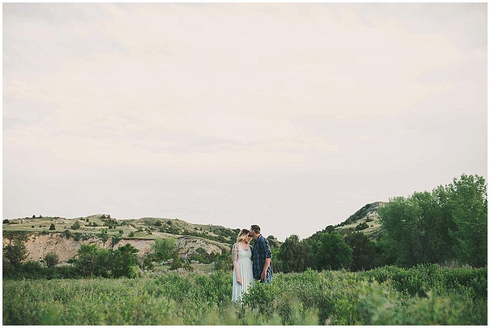 shawna-matt-1252_zach_davis_fargo_wedding_photographer.jpg