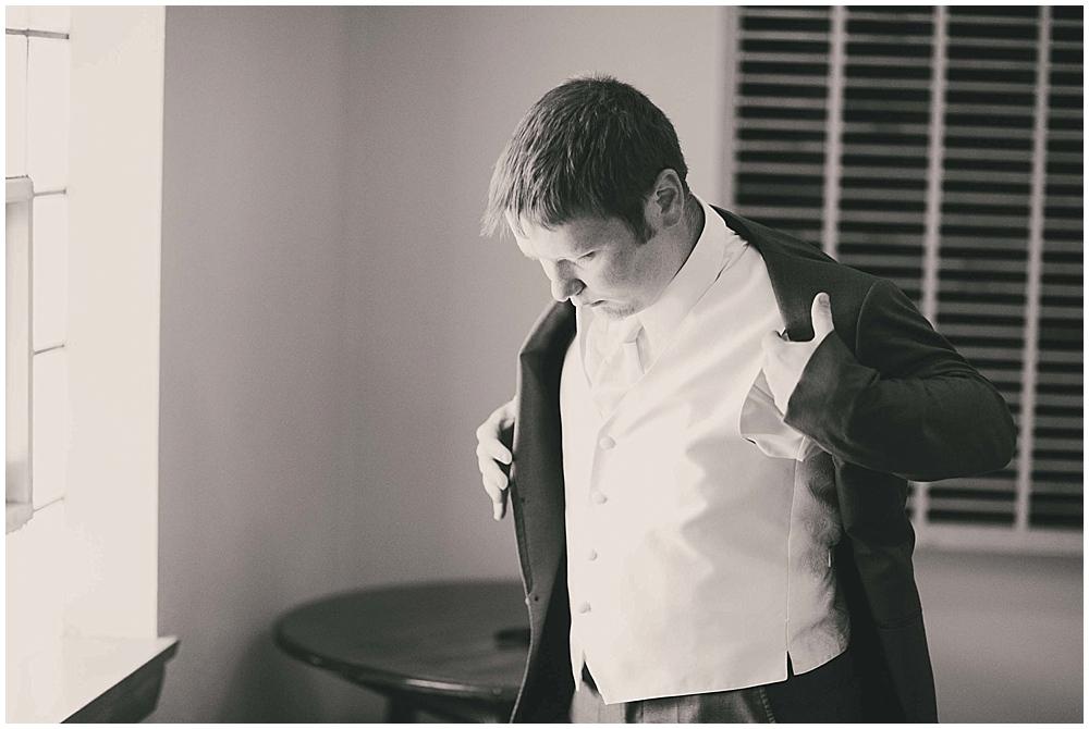 jazsmin-aaron-1143_zach_davis_fargo_wedding_photographer.jpg