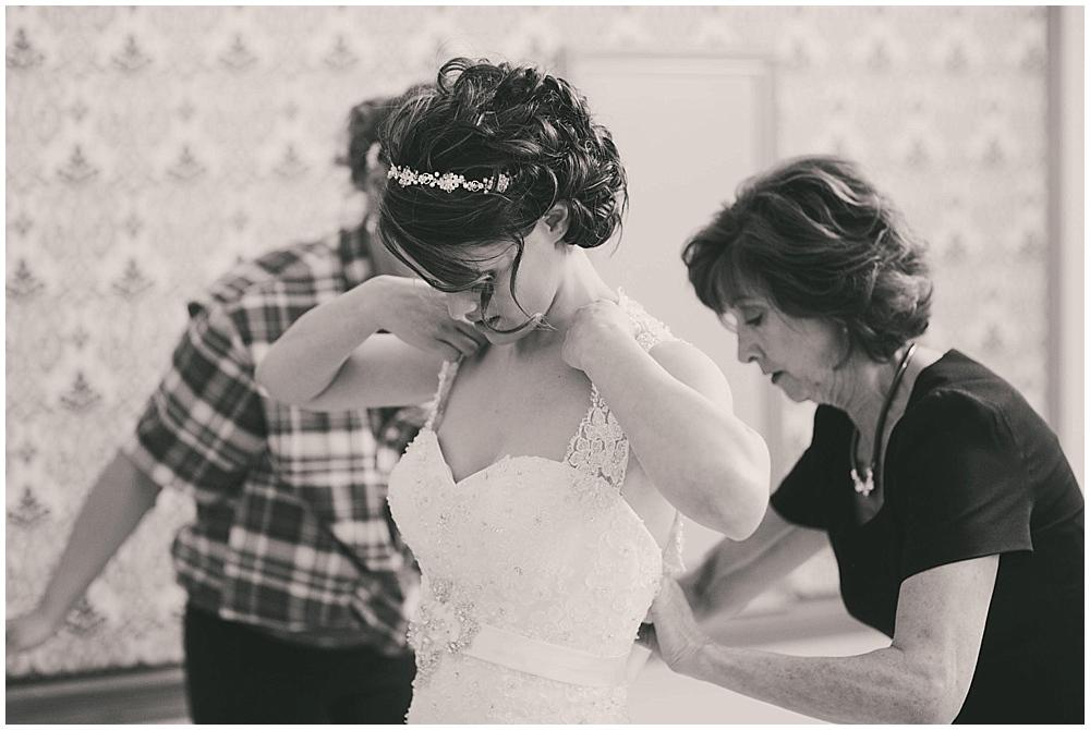 jazsmin-aaron-1237_zach_davis_fargo_wedding_photographer.jpg