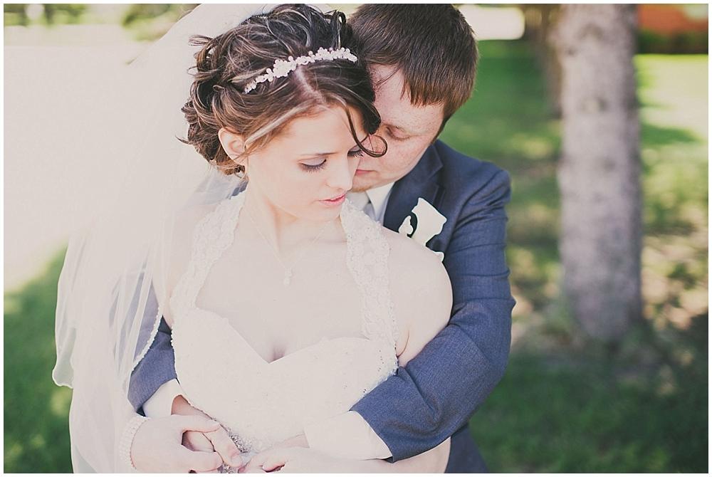 jazsmin-aaron-1861_zach_davis_fargo_wedding_photographer.jpg