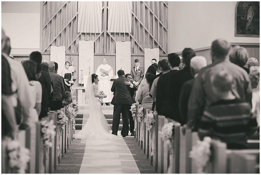 jazsmin-aaron-3071_zach_davis_fargo_wedding_photographer.jpg