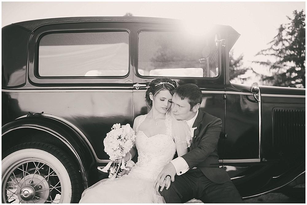 jazsmin-aaron-3703_zach_davis_fargo_wedding_photographer.jpg