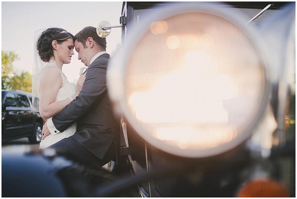 jazsmin-aaron-4115_zach_davis_fargo_wedding_photographer.jpg