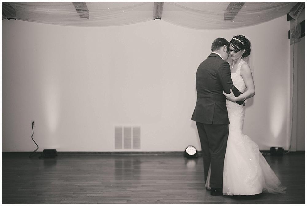 jazsmin-aaron-4333_zach_davis_fargo_wedding_photographer.jpg