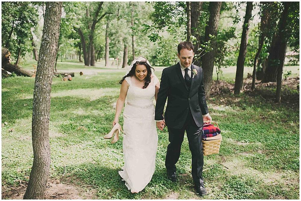 gabby-joey-2127_zach_davis_fargo_wedding_photographer.jpg