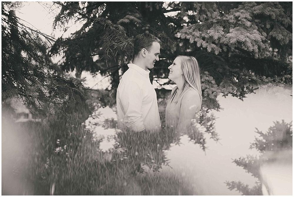 molly-brock-1131_zach_davis_fargo_wedding_photographer.jpg