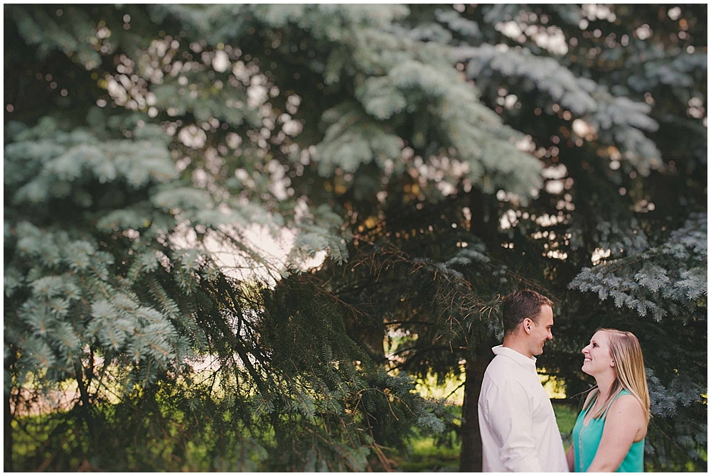 molly-brock-1125_zach_davis_fargo_wedding_photographer.jpg