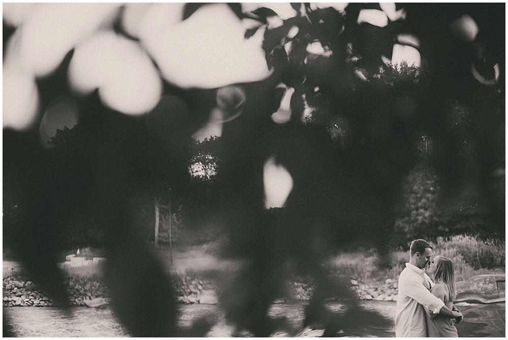 molly-brock-1551_zach_davis_fargo_wedding_photographer.jpg