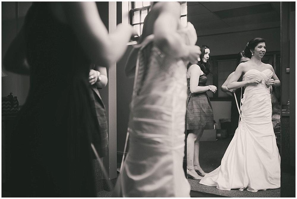 jennifer-travis-1340_zach_davis_fargo_wedding_photographer.jpg