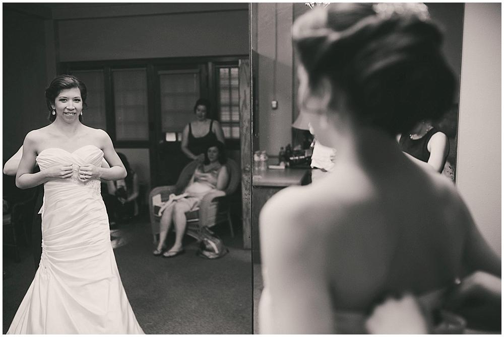 jennifer-travis-1380_zach_davis_fargo_wedding_photographer.jpg