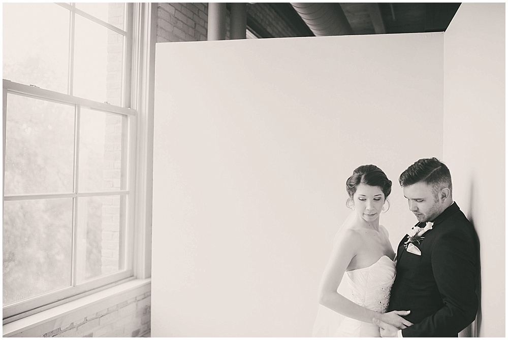 jennifer-travis-1924_zach_davis_fargo_wedding_photographer.jpg