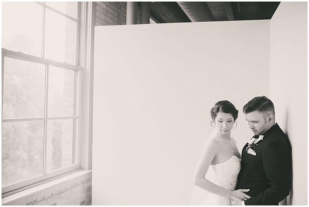jennifer-travis-1924_zach_davis_fargo_wedding_photographer.jpg