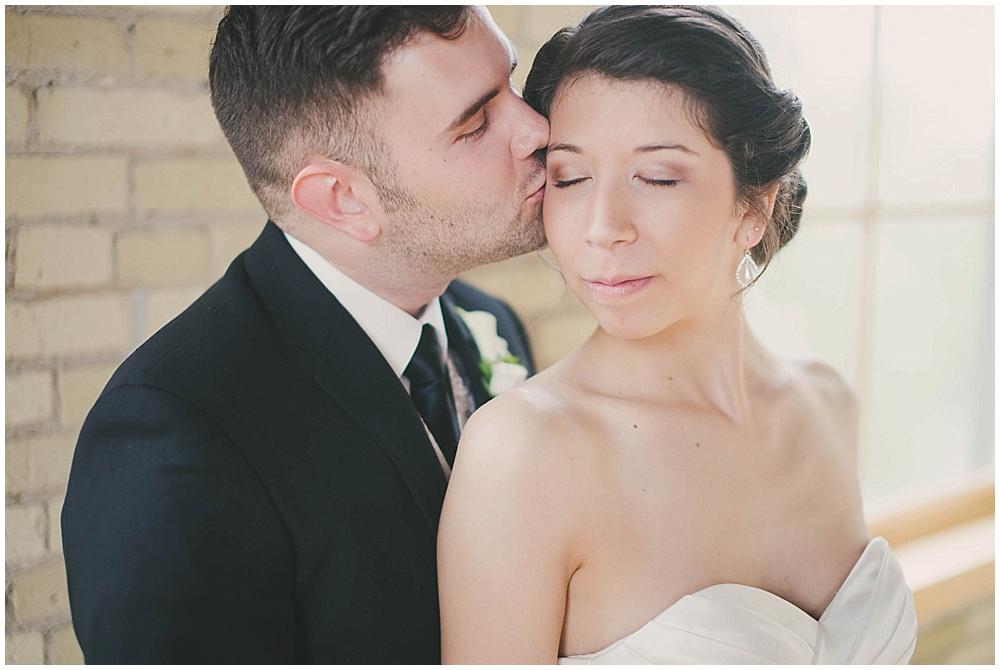 jennifer-travis-2045_zach_davis_fargo_wedding_photographer.jpg
