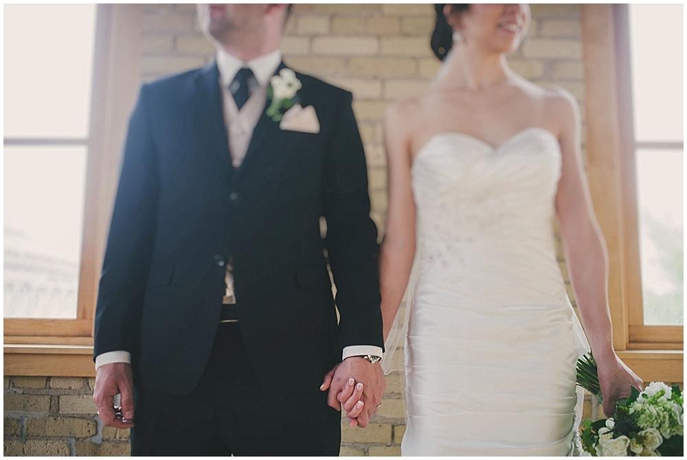 jennifer-travis-2082_zach_davis_fargo_wedding_photographer.jpg