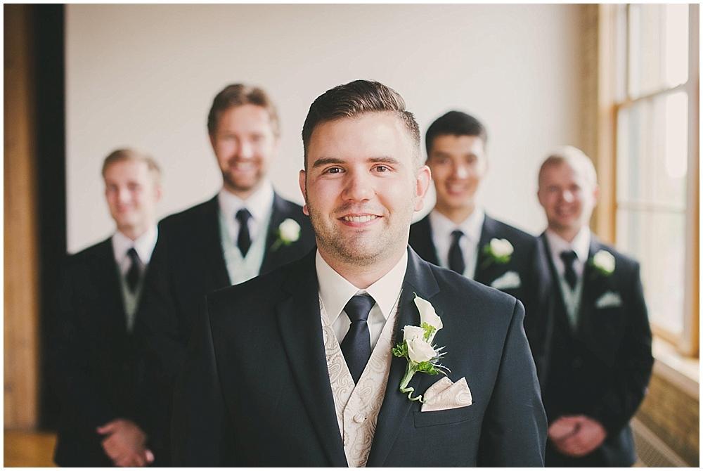 jennifer-travis-2369_zach_davis_fargo_wedding_photographer.jpg