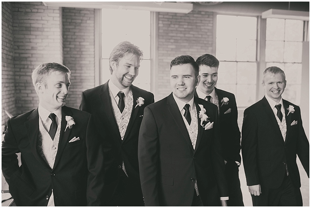 jennifer-travis-2391_zach_davis_fargo_wedding_photographer.jpg