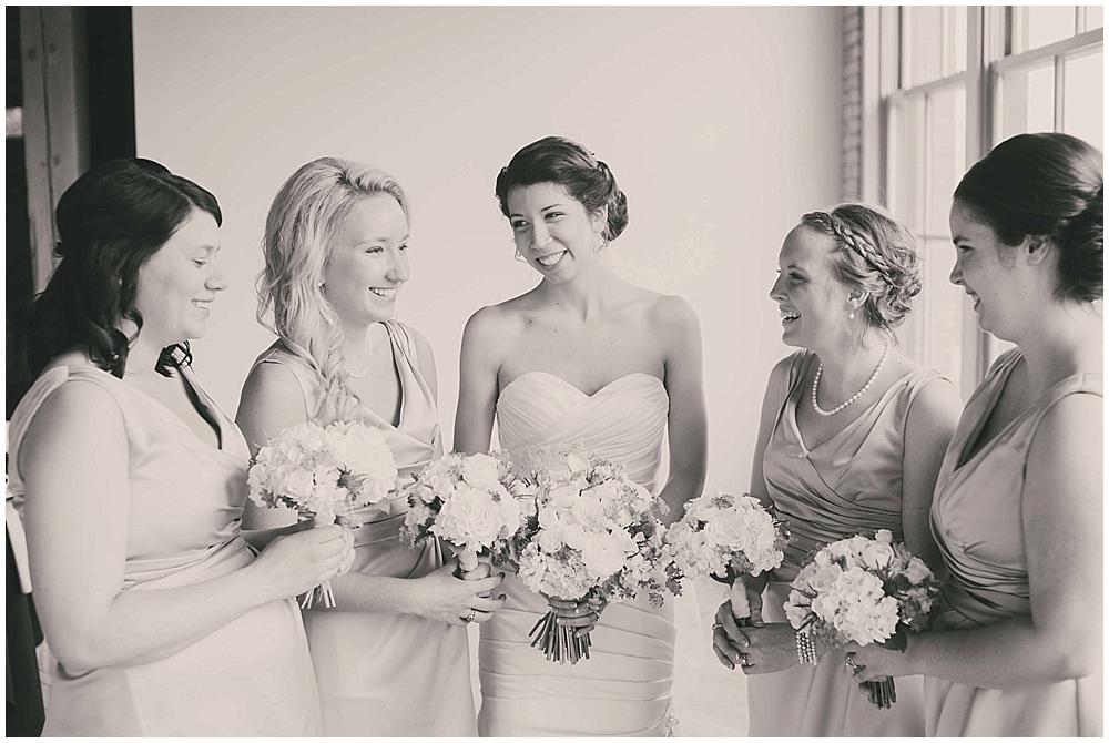 jennifer-travis-2459_zach_davis_fargo_wedding_photographer.jpg