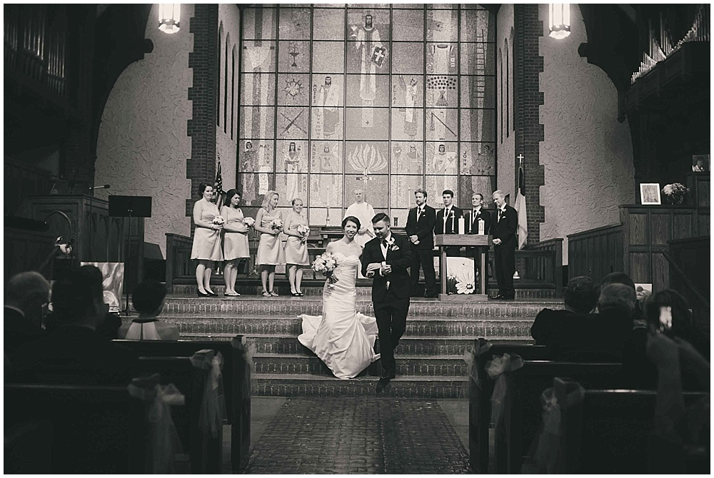 jennifer-travis-3247_zach_davis_fargo_wedding_photographer.jpg