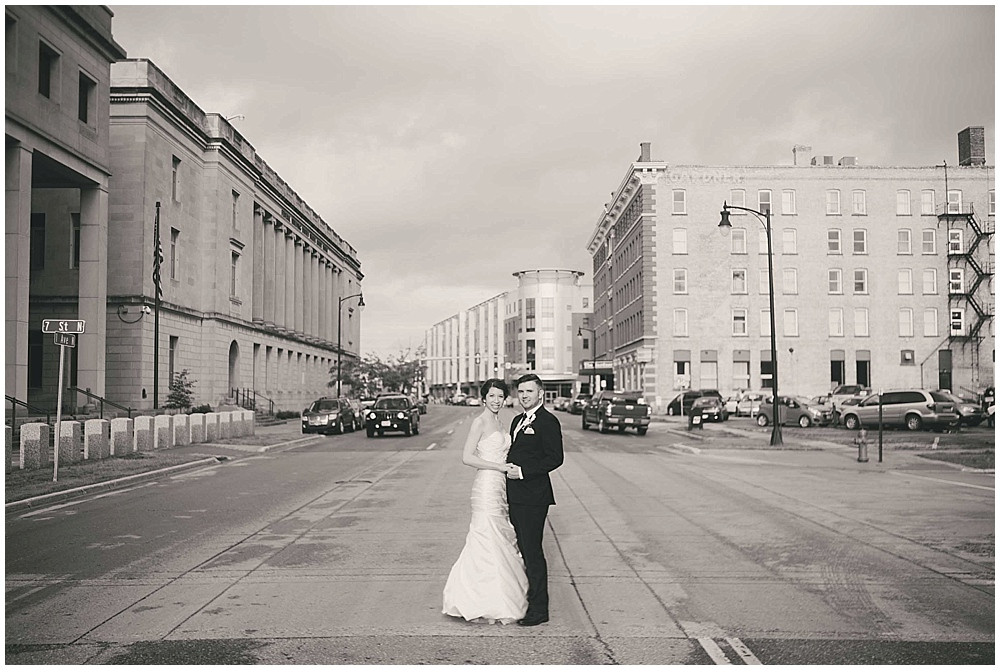 jennifer-travis-3828_zach_davis_fargo_wedding_photographer.jpg