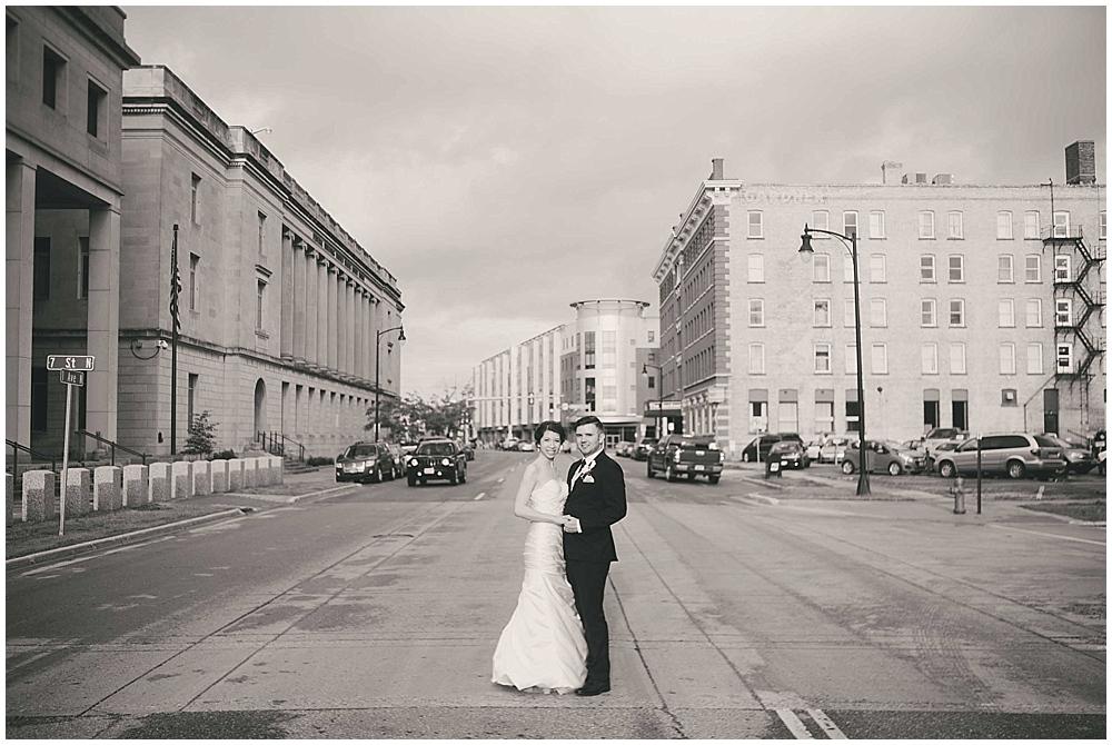 jennifer-travis-3828_zach_davis_fargo_wedding_photographer.jpg