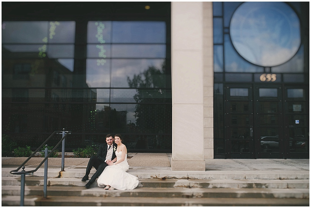 jennifer-travis-3856_zach_davis_fargo_wedding_photographer.jpg